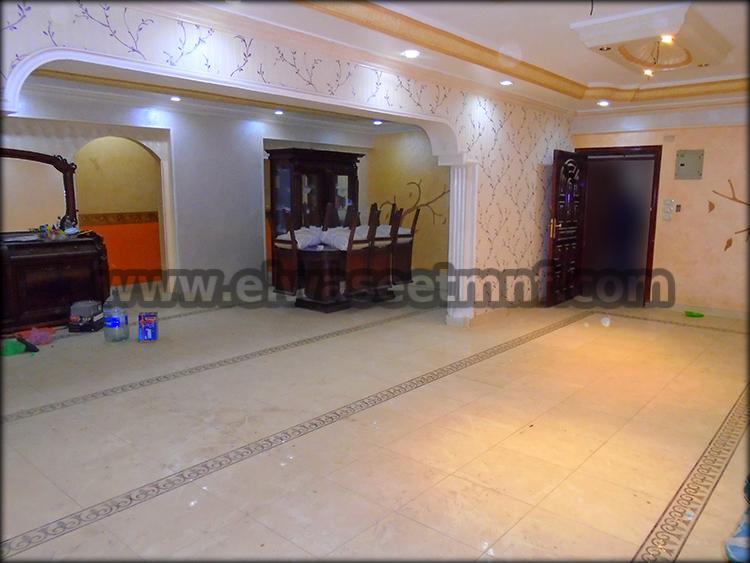 شقة تمليك للبيع بمساحة 230 متر ببرج جديد ع الرئيسي مباشرة بالقرب من نادي الشرطة اول طريق كفر المصيلحة من الوسيط العقارية بشبين الكوم .