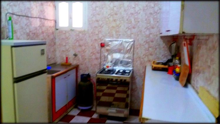 شقة إيجار مفروش مساحة 120م بالدور التانى بعماره بالقرب من مستشفى الجامعةمن الوسيط القعارية بشبين الكوم