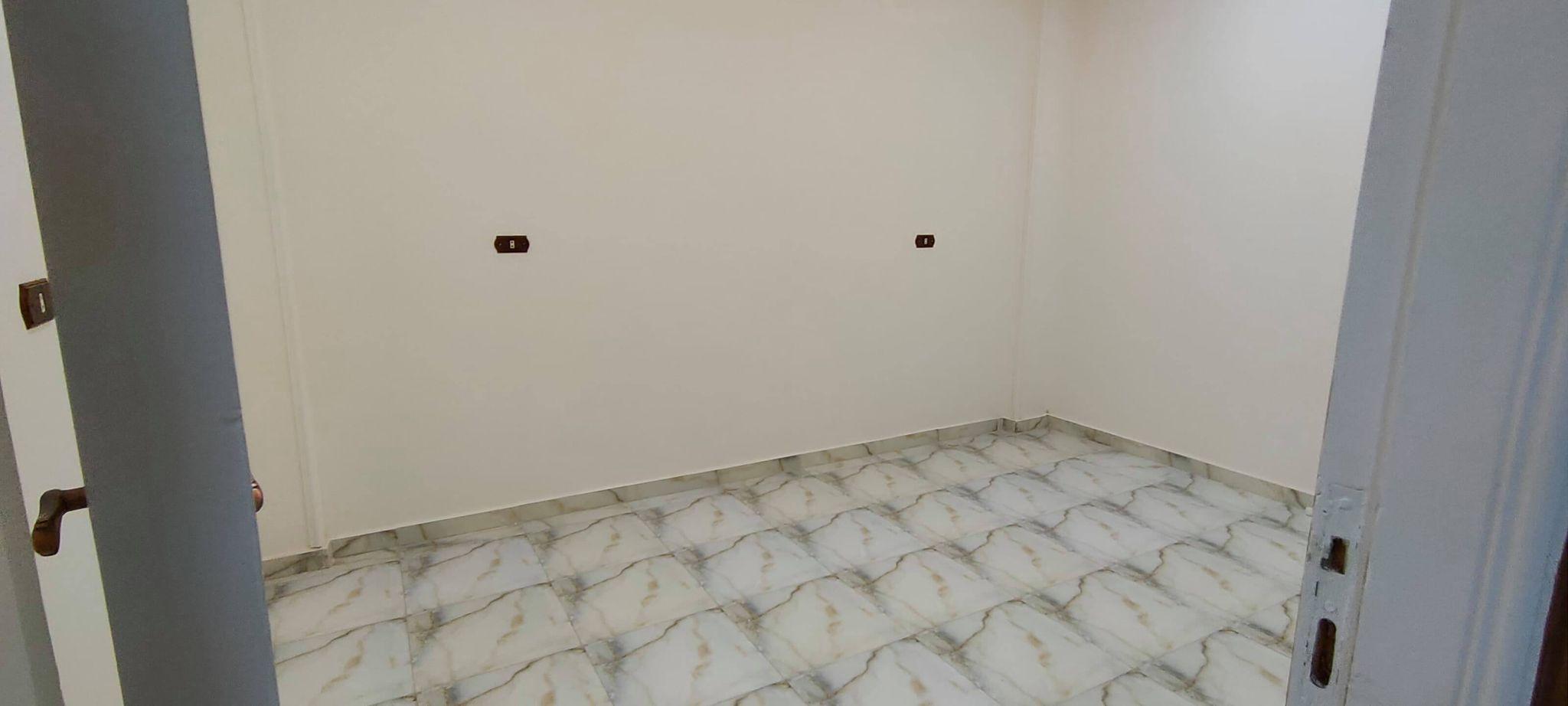 شقة ايجار مساحة 100 متر دور الرابع علوى بعمارة جديدة خلف سولو بلازا بالبر الشرقى من شركة الوسيط العقارية بشبين الكوم